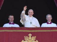 Pape François : Il tape une fidèle trop tenace puis regrette son coup de sang