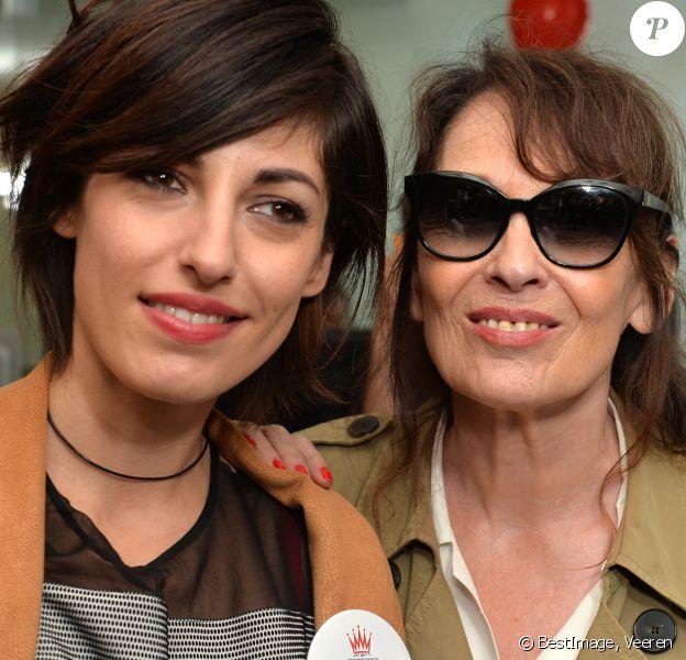Jennifer Ayache et sa mère Chantal Lauby lors de la 13ème édition du Charity Day dans la salle des marchés d'Aurel BGC dans le quartier de la Bourse à Paris le 11 septembre 2017. © Veeren / Bestimage