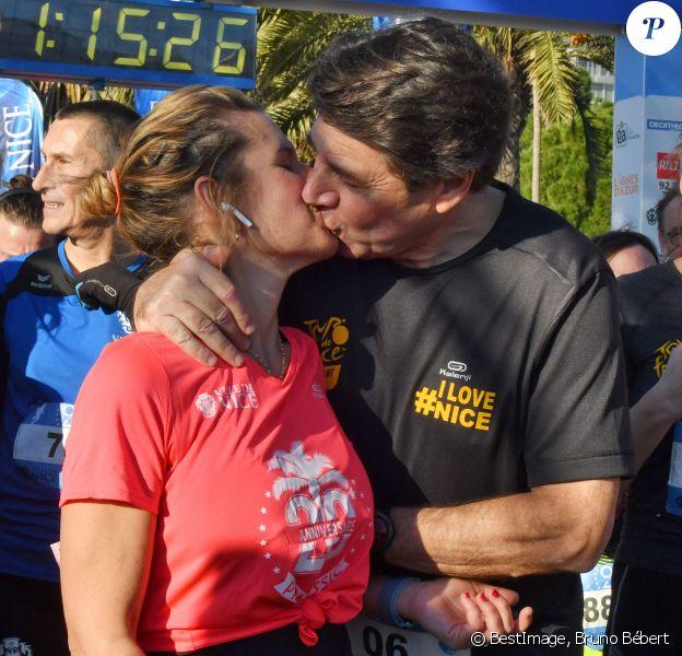 Christian Estrosi, le maire de Nice, et sa femme, Laura Tenoudji Estrosi participent à la 21ème édition de la Prom Classic, 10 kilomètres de course à pied, sur la Promenade des Anglais à Nice, France, le 5 janvier 2020. Début d'année sportif pour le couple Estrosi qui a bouclé les 10 kilomètres du parcours en 1h et 15 minutes. C'est Laura qui a donné le départ de la catégorie Handisport. © Bruno Bébert/Bestimage