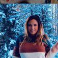 Kelly Helard  (Mamans & Célèbres) en vacances au ski en 2019.