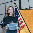 Caroline Kennedy, nommée ambassadcrice des Etats-Unis au Japon, fait un discours lors d'une réception organisée en son honneur à la residence de l'ambassadeur du Japon aux Etats-Unis à Washington le 12 novembre 2013.