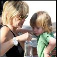 Sharon Stone et ses trois enfants jouent au parc à Malibu le 31 juillet 2009