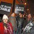 """Mouvement de soutien après l'attaque de """"Charlie Hebdo"""" à Paris, le 7 janvier 2015."""