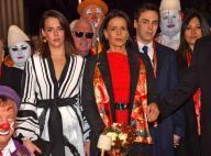 Pauline Ducruet joliment décolletée pour une soirée cirque en famille