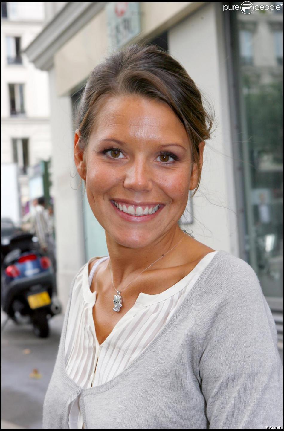 Laura tenoudji purepeople - Laura du web salaire ...