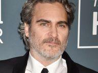 Joaquin Phoenix fuit la soirée des SAG awards pour manifester devant un abattoir