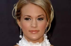 Carrie Underwood, d' American Idol  : première artiste country à recevoir un double disque de platine...