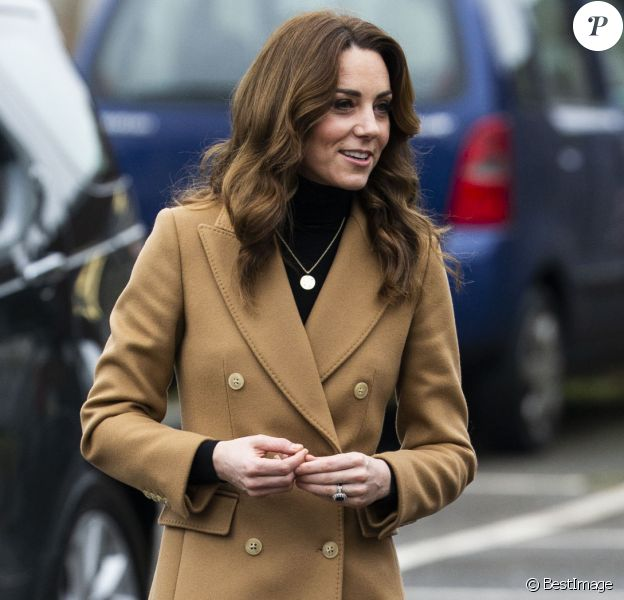 Kate Middleton, duchesse de Cambridge, arrive à l'école Ely & Caerau Children's Centre, à Cardiff, Royaume-Uni, le 22 janvier 2020.