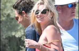 Kate Moss en bikini et entre amis : avec Karen Mulder, elle sait comment s'éclater !