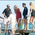 Kate Moss et ses copains quittant le Club 55 à St Tropez, le 4/08/09