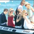 Stefano Pilati entouré par Kate Moss et Karen Mulder à St Tropez, le 4/08/09