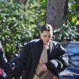 Channing Tatum et sa compagne Jessie J se promènent main dans la main dans les rues de Londres. Channing porte une casquette, un t-shirt Louis Vuitton blanc, une veste et une chemise à carreaux, sa de baskets est assortie à son t-shirt blanc et noir. Jessie porte un ensemble de jogging de couleur beige, une paire de maxis créoles, un bomber noir et un sac en bandoulière Louis Vuitton. Londres le 14 mars 2019