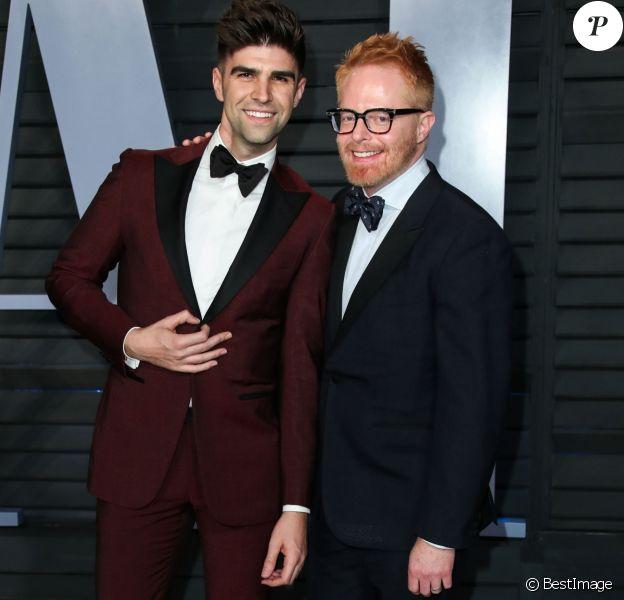 Justin Mikita et son mari Jesse Tyler Ferguson à la soirée Vanity Fair Oscar au Wallis Annenberg Center à Beverly Hills, le 4 mars 2018