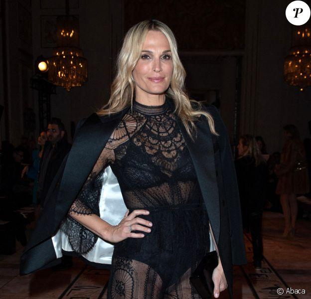 Molly Sims assiste au défilé Zuhair Murad, collection Haute Couture printemps-été 2020, à l'Hôtel Potocki. Paris, le 22 janvier 2020.