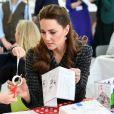 Kate Middleton, duchesse de Cambridge, lors d'un atelier organisé par le programme hospitalier de la National Portrait Gallery à l'Evelina Children's Hospital à Londres, Royaume Uni, le 28 janvier 2020.