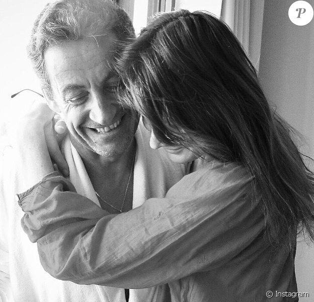 Carla Bruni adresse quelques jolis mots à son mari Nicolas Sarkozy pour son anniversaire, le 28 janvier 2020.