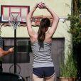 Milla Jovovich fait du sport à Los Angeles