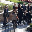 Catherine Zeta-Jones avec son fils Dylan Michael Douglas, sa belle-mère Anne Buydens - Kirk Douglas a été enterré dans un service funéraire privé en présence de ses amis et de sa famille les plus proches au Westwood Memorial de Los Angeles, le 7 février 2020.