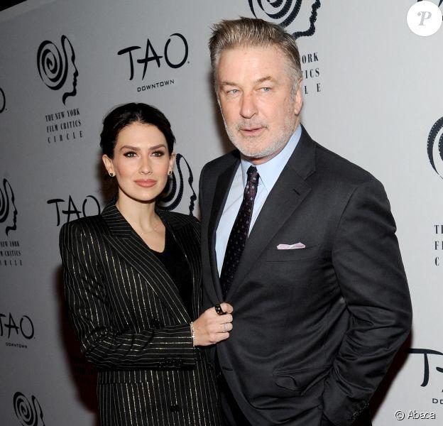 Hilaria Baldwin et Alec Baldwin assistent aux New York Film Critics Circle Awards au Tao Downtown. New York, le 7 janvier 2020.
