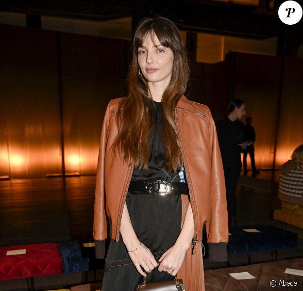 Annabelle Belmondo assiste au défilé Tod's, collection automne-hiver 2020-2021 à Milan. Le 21 février 2020.