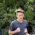 Exclusif - Reese Witherspoon et son fils Deacon Reese Phillippe font un jogging à Santa Monica, Los Angeles, Californie, Etats-Unis, le 19 novembre 2018.