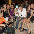 Le Prince Emmanuel Philibert de Savoie a diné en tête à tête avec Sara Tommasi au restaurant Setaccio avant de rejoindre Andrea Montovoli et Manuela Muttini au bar discothèque Citta del Capo à Ravenne