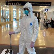 Naomi Campbell : Combinaison, masque et gants contre le coronavirus