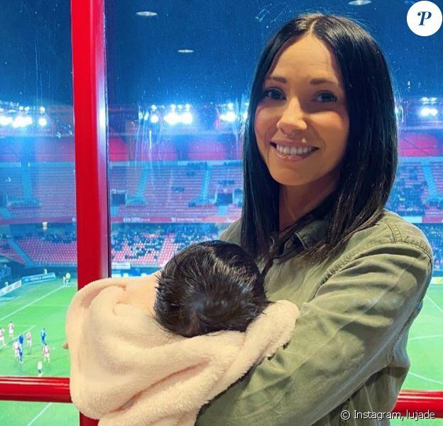 Lucie (L'amour est dans le pré) pose avec sa fille Swann sur Instagram - 29 février 2020