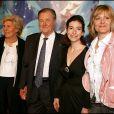 """Albert Uderzo, son épouse, Anna Goscinny et Sylvie Uderzo - Avant-première du film """"Astérix et les vikings"""" au Grand Rex à Paris le 31 mars 2006."""