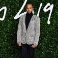 """Lewis Hamilton assiste à la cérémonie des """"Fashion Awards 2019"""" au Royal Albert Hall à Londres, le 2 décembre 2019."""