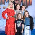 Tori Spelling, son mari Dean McDermott et leurs enfants Finn, Jack, Stella, Liam, Hattie et Beau - People à la première de 'Jumanji: The Next Level' au théâtre Chinese dans le quartier d'Hollywood à Los Angeles, le 9 décembre 2019.
