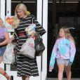 Exclusif - Tori Spelling est allée faire des courses avec ses enfants à Calabasas, le 22 août 2019.