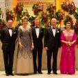 Le prince Guillaume de Luxembourg, la reine Mathilde de Belgique, le grand-duc Henri de Luxembourg, le roi Philippe de Belgique et la grande-duchesse Maria Teresa de Luxembourg le 16 octobre 2019 lors d'une soirée de gala en l'honneur de la visite officiel du couple royal belge.