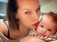 Milla Jovovich : Maman gaga de sa fille Osian, déjà très expressive