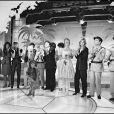 Les gendarmettes avec Louis de Funès en Cruchot et Michel Galabru en Gerber sur le plateau de l'émission Champs Elysées de Michel Drucker, en octobre 1982.