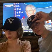 Uma Thurman devient coiffeuse pour sa fille Maya Hawke, calmée