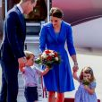 Le prince William, duc de Cambridge, Catherine Kate Middleton, duchesse de Cambridge et leurs enfants le prince George de Cambridge et la princesse Charlotte de Cambridge - Le couple princier d'Angleterre et leurs enfants à leur arrivée à l'aéroport de Berlin-Tegel à Berlin, le 19 juillet 2017, lors de leur visite officielle de 3 jours en Allemagne.