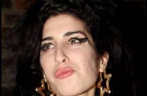 Amy Winehouse : Quand elle essaye de se faire jolie... eh bien, c'est raté !
