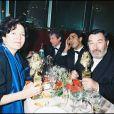Pierre Meyrand, en mars 1995 à Paris, dîne après avoir reçu le Molière du comédien pour la pièce Les Affaires sont les affaires.