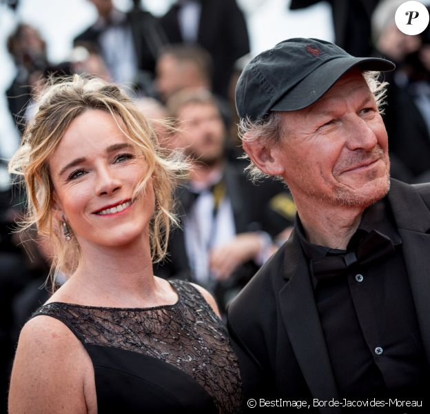 """Géraldine Danon (robe Georges Honeika Couture et bracelest Montblanc) et son mari Philippe Poupon - Montée des marches du film """"Money Monster"""" lors du 69ème Festival International du Film de Cannes. Le 12 mai 2016. © Borde-Jacovides-Moreau/Bestimage"""
