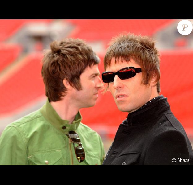 Liam et Noel Gallagher en octobre 2008