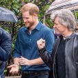 Le prince Harry, duc de Sussex, visite les studios d'Abbey Road pour rencontrer Jon Bon Jovi et des membres de l'Invictus Games Choir, qui enregistrent un single spécial au profit de l'Invictus Games Foundation, à Londres, Royaume Uni, le 28 février 2020.