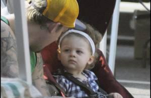 Joel Madden : sa petite Harlow ne le lâche pas, elle est à croquer !