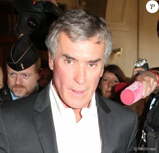 L'ancien ministre du Budget Jérôme Cahuzac, condamné en 2016 à trois ans de prison pour fraude fiscale à la sortie de la cour d'appel de Paris le 15 mai 2018.
