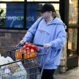 Exclusif - Rebel Wilson va faire des courses au supermarché local en pleine crise du coronavirus Covid-19 à Los Angeles le 13 mars 2020.