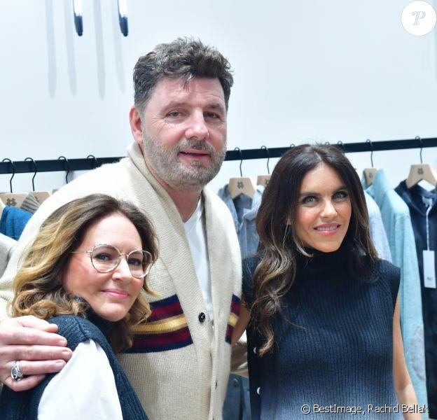 """Exclusif - Philippe Lellouche avec Carole Benaroya (co-fondatrice de la marque Kujten) et Stéphanie Eriksson (co-fondatrice de la marque Kujten) lors de l'inauguration de la boutique flagship """"Kujten"""" à Paris, le 27 novembre 2019. © Rachid Bellak/Bestimage"""