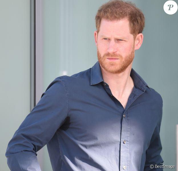 Le prince Harry, duc de Sussex, ouvre officiellement The Silverstone Experience, un nouveau musée immersif qui raconte l'histoire du passé, du présent et de l'avenir de la course automobile britannique, à Northampton, Royaume Uni, le 6 mars 2020.