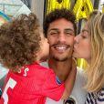 Raphaël Varane fête ses 27 ans avec sa femme Camille et leur fils Ruben le 25 avril 2020.