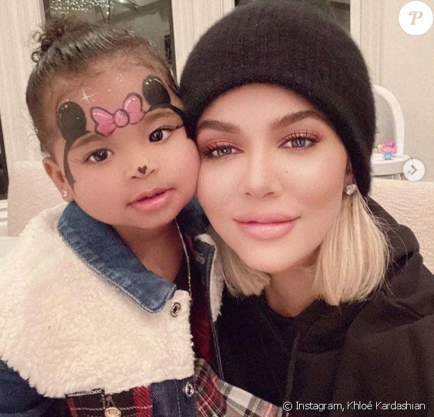 Khloé Kardashian et sa fille True Thompson. Janvier 2020.