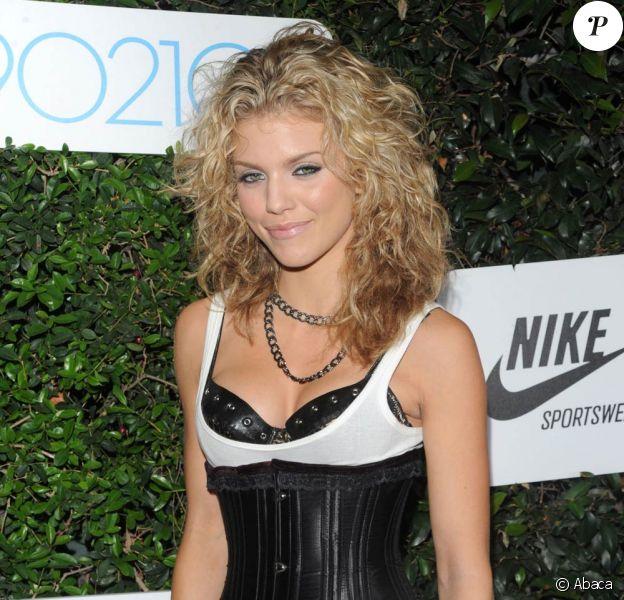 La super canon AnnaLynne McCord, à l'occasion de la soirée de présentation de la saison 2 de 90210, à Los Angeles, le 1er septembre 2009 !